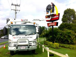 Working height 20m Cherry Picker in Use for McDonalds Signage